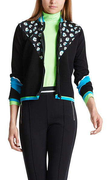 Short knitted jacket with colour block