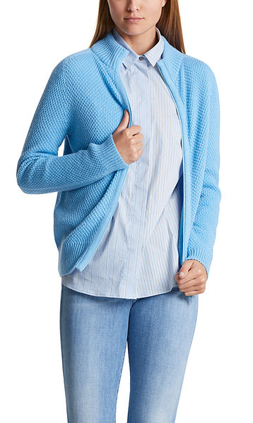High-quality knitted jacket with alpaca