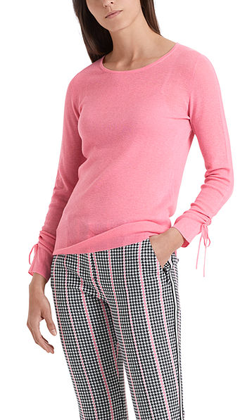 High quality finely knitted pullover
