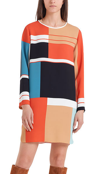 Dress with a graphic print