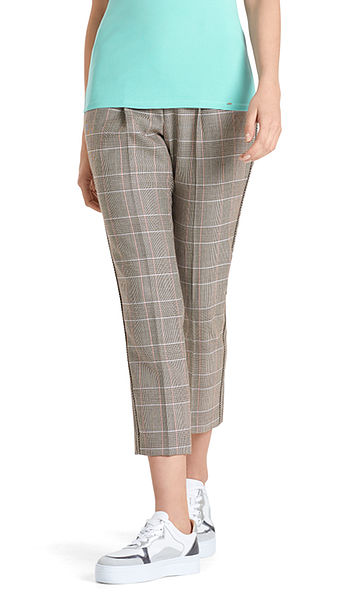 Pants with pattern mix