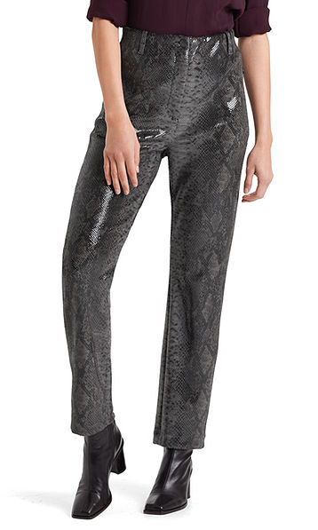 Pants in snakeskin look