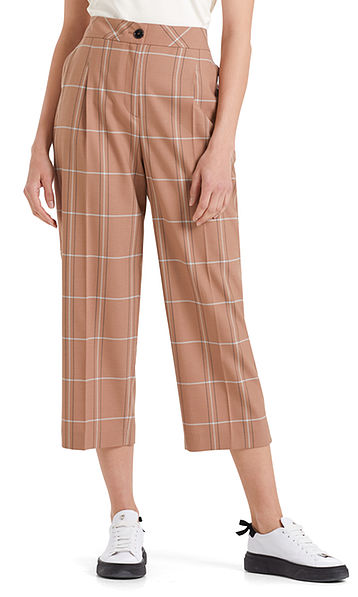 Check pants in culotte style