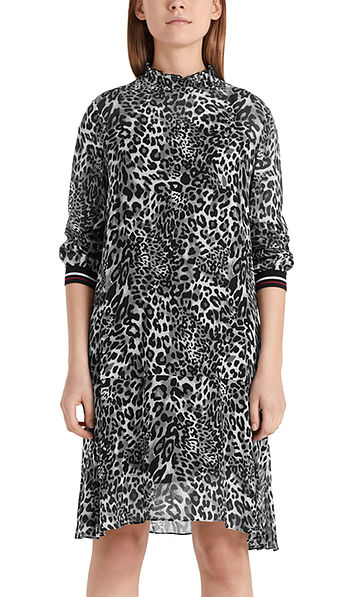 Long-sleeved dress with leopard pattern