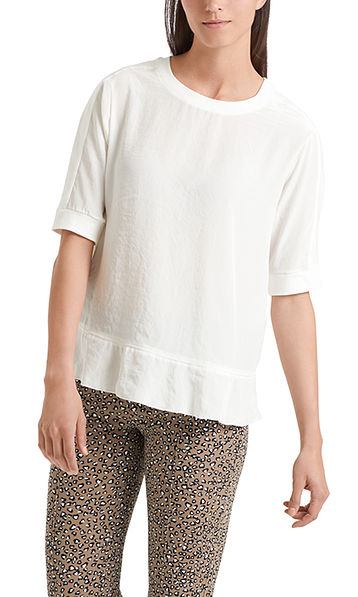 Blouse-style top with flounce