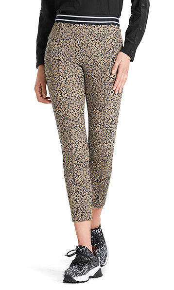 Stretch pants with leopard print