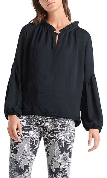 Blouse with voluminous sleeves
