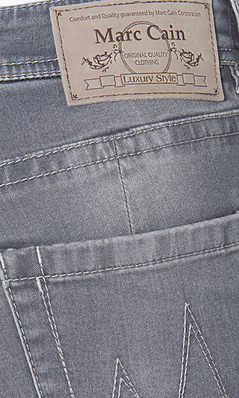 protection Plenary session Eastern  Basic washed jeans | marc-cain.com/en